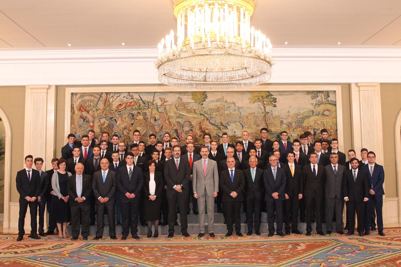 S.M. Felipe VI recibe a EFA Moratalaz