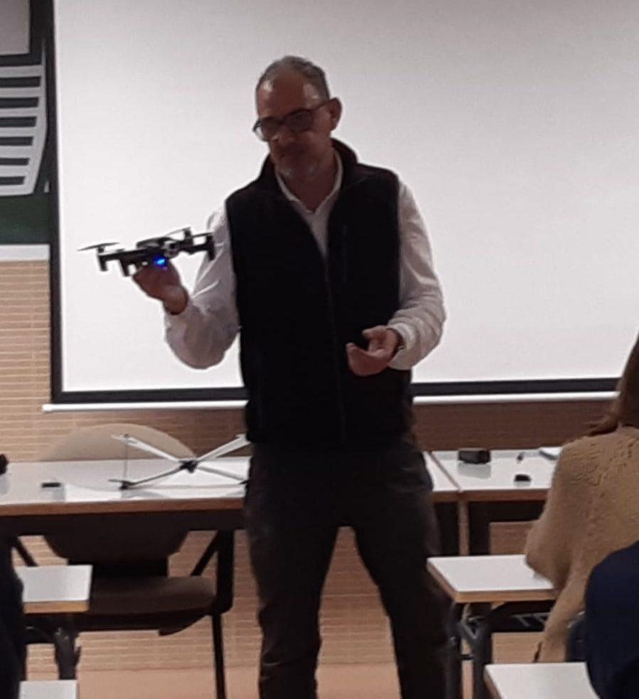 Los drones y sus aplicaciones en agricultura.
